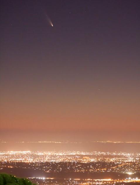 Karl Gruber sfotografował kometę 2 marca w okolicy Melbourne, Australia, źródło http://www.spaceweather.com