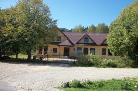 Schronisko Młodzieżowe w Stuposianach